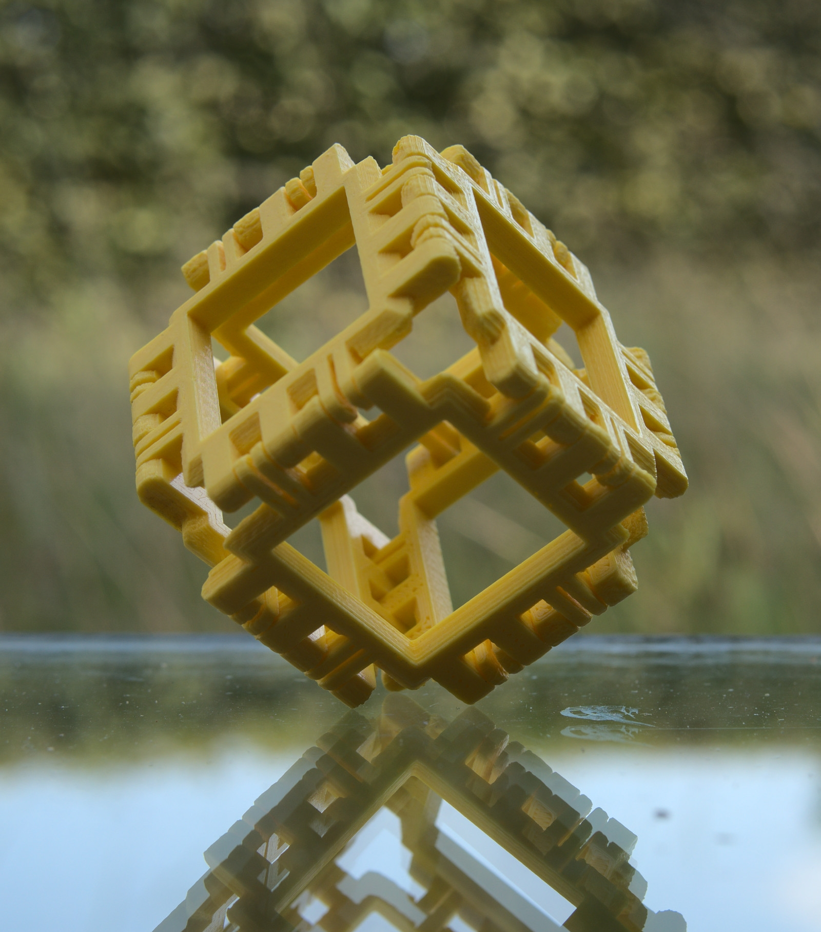 Cover image for article 'Cube (Hexahedron)'